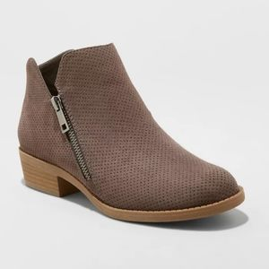 Dylan's MicroSuede Booties size 7
